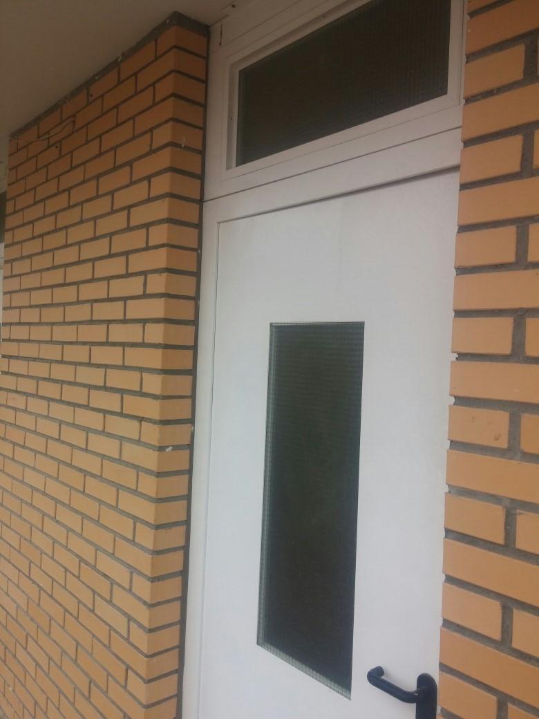 Дверь переходных балконов, для многоквартирных домов.